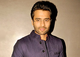 Jackky Bhagnani gets injured and mobbed on the streets of Indore