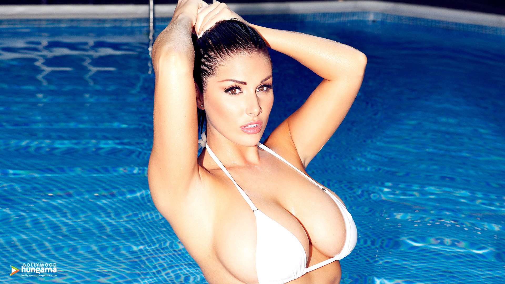 Lucy Pinder Wallpapers | lucy-pinder-5 - Bollywood Hungama