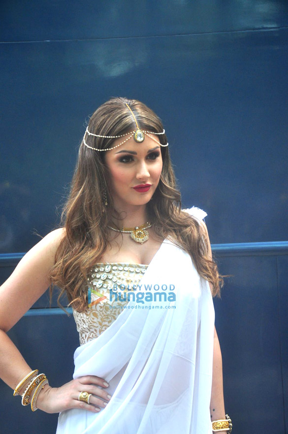Hollywood actress and model Lucy Pinder's Bollywood debut with 'Waarrior Savitri'