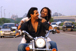 Movie Still From The Film Salaam-E-Ishq,John Abraham,Vidya Balan