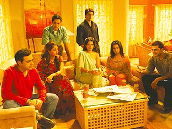 Movie Still From The Film Baghban Featuring Aman Verma,Sameer Soni,Sahila Chadda,Divya Dutta,Nasir Kazi,Suman Ranganathan