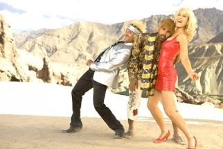 Movie Still From The Film Tashan,Saif Ali Khan,Akshay Kumar,Kareena Kapoor