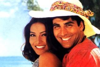 Movie Still From The Film Ajnabee Featuring Bipasha Basu,Akshay Kumar