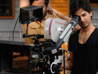 On The Sets Still From The Film Jab We Met Featuring Shahid Kapoor