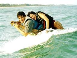 Movie Still From The Film Yuva Featuring Vivek Oberoi,Kareena Kapoor