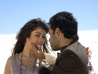 Movie Still From The Film Kya Love Story Hai,Ayesha Takia Azmi,Tusshar Kapoor