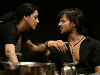 Movie Still From The Film Shoot Out At Lokhandwala Featuring Amrita Singh,Vivek Oberoi