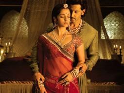 Movie Still From The Film Jodhaa Akbar,Aishwarya Rai,Hrithik Roshan