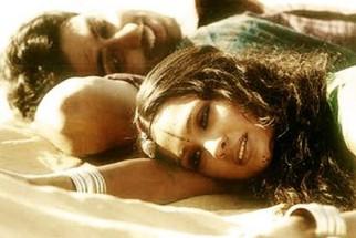 Movie Still From The Film Mumbai Se Aaya Mera Dost Featuring Abhishek Bachchan,Lara Dutta