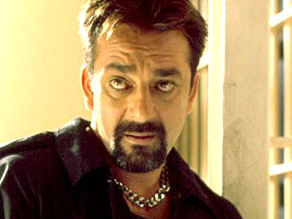 bollywood-ke-kisse-when-4-shooter-searching-sanjay-dutt-for-killing-him