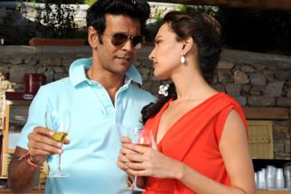 Movie Still From The Film Jodi Breakers,Milind Soman,Mrinalini Sharma