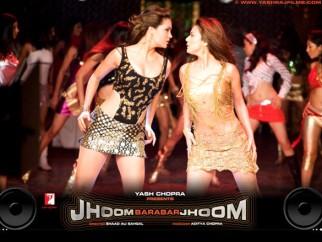 Movie Still From The Film Jhoom Barabar Jhoom,Lara Dutta,Preity Zinta
