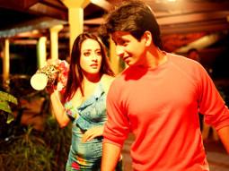 Movie Still From The Film 3 Bachelors,Raima Sen,Sharman Joshi