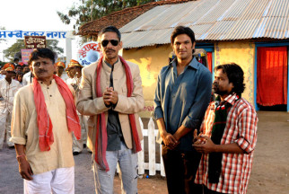 Movie Still From The Film Aalaap,Raghuveer Yadav,Vijay Raaz,Amit Purohit,Omkar Das Manikpuri