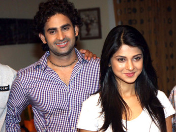 On The Sets Of The Film Love Kiya Aur Lag Gayi,Vinod Dixit,Jennifer Winget