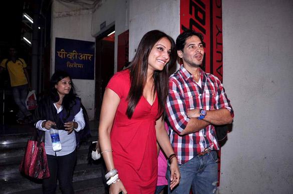 Bipasha & Dino watch 'Raaz 3' together