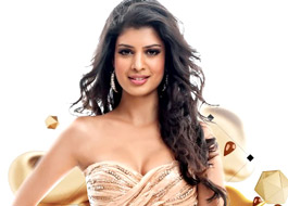 Live Chat: Tena Desae today at 1730 hrs IST