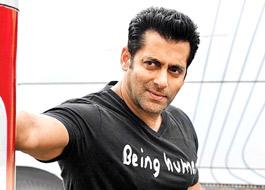 Salman's birthday & Dabangg 2's success party at Khan household