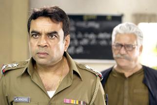 Movie Still From The Film Na Ghar Ke Na Ghaat Ke,Paresh Rawal,Om Puri