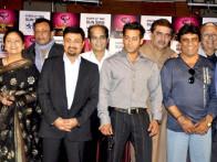 Photo Of Aruna Irani,Mithun Chakraborty,Salman Khan,Raza Murad,Deep Dhillon,Arun Bali From Salman Khan and Mithun bond at CINTAA Superstars Ka Jalwa launch