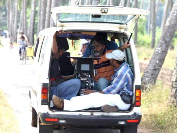 On the sets of 3 Nights 4 Days