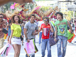 Movie Still From The Film Badmaash Company,Shahid Kapoor,Anushka Sharma,Vir Das,Meiyang Chang
