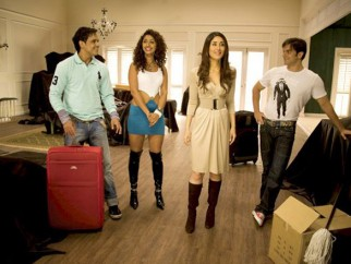 Movie Still From The Film Main Aur Mrs Khanna Featuring Yash Tonk,Mahek Chhal,Kareena Kapoor,Sohail Khan