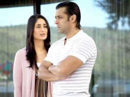 Movie Still From The Film Main Aurr Mrs Khanna Featuring Kareena Kapoor,Salman Khan