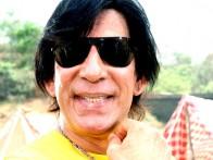 Movie Still From The Film Pyaar Kaa Fundaa Featuring Razzak Khan
