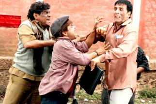 Movie Still From The Film Khatta Meetha,Johny Lever,Rajpal Yadav,Akshay Kumar