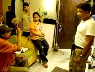 On The Sets Of The Film Aashayein Featuring John Abraham,Prateeksha Lonkar,Shreyas Talpade,Anaitha Nair,Sonal Sehgal,Girish Karnad,Vikram Inamdar,Farida Jalal,Master Ashwin Chitale,Sonali Sachdev,Sharad Wagh