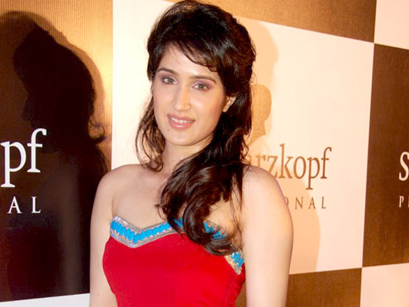 Sagarika Ghatge walks for Schwarzkopf show