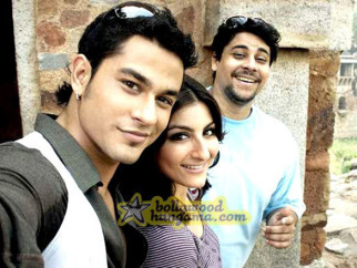 Movie Still From The Film 99 Featuring Kunal Khemu,Soha Ali Khan,Cyrus Broacha