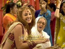 Movie Still From The Film Aloo Chaat Featuring Linda Arsenio