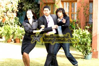 Movie Still From The Film Daddy Cool Featuring Aftab Shivdasani,Tulip Joshi,Chunky Pey
