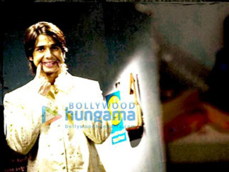 Movie Still From The Film Kaminey Featuring Shahid Kapoor