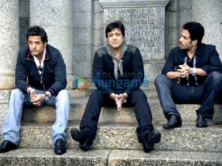 Movie Still From The Film Life Partner Featuring Fardeen Khan,Govinda,Tusshar Kapoor