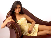 Movie Still From The Film Benny and Babloo,Riya Sen