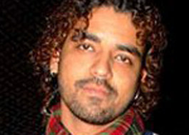Singer Toshi Sabri critically injured in road accident