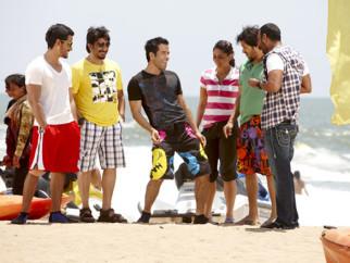 Movie Still From The Film Golmaal 3,Kunal Khemu,Arshad Warsi,Tusshar Kapoor,Kareena Kapoor,Shreyas Talpade,Ajay Devgn
