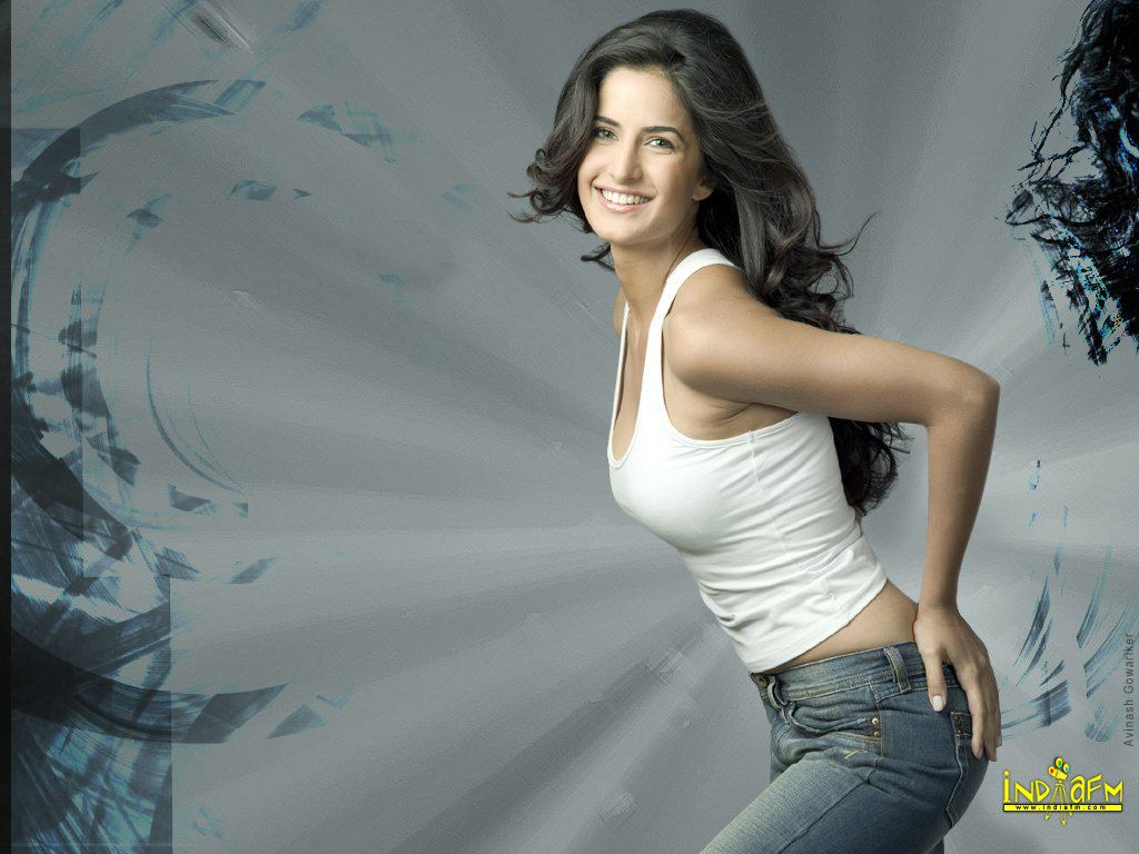 Katrina Kaif Wallpapers  Katrina-Kaif-13 - Bollywood Hungama-2244