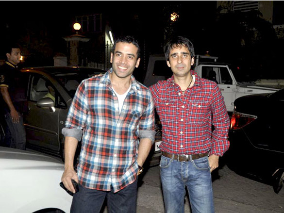 Tusshar Kapoor at 'Yamla Pagla Deewana' screening by Rumi Jaffrey