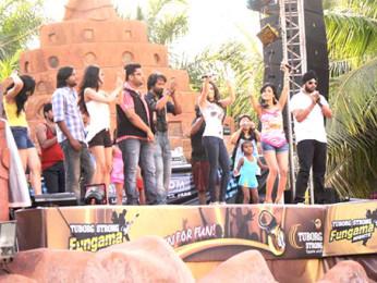 Photo Of Prashant Narayanan,Caterina Lopez,Shibani Kashyap From The Cast of Bhindi Baazaar Inc spotted at Water Kingdom