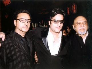 Photo Of Gulshan Grover,Fardeen Khan,Pritish Nandy From The Premiere Of Ek Khiladi Ek Haseena