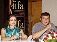 Photo Of Soha Ali Khan,Nitin Manmohan From The Dil Maange More Press Meet At IIFA,Singapore