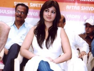 Photo Of Ayesha Takia Azmi From The Launch Of Shaadi Se Pehle