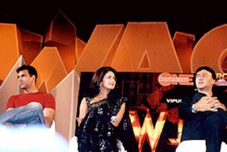 Photo Of Akshay Kumar,Priyanka Chopra,Anu Malik From The Mahurat Of 'Waqt'