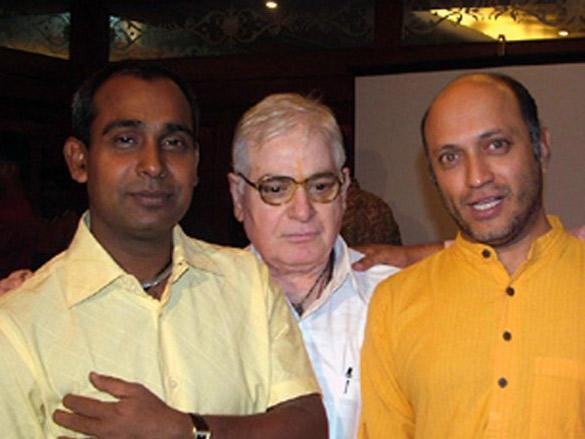 Photo Of Shekhar S Jha,H R Bakshi,Yatin Karyekar From The Eik Dasttak Movie Completion Party