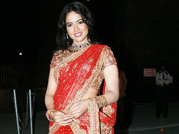 Celina And Sameera Walk The Ramp At The Mumbai Festival