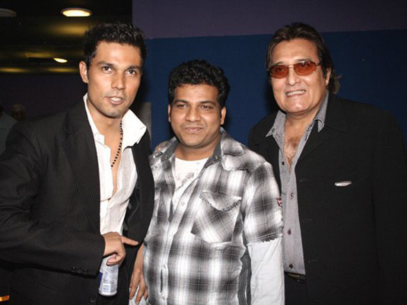 Photo Of Randeep Hooda,Vishram Sawant,Vinod Khanna From The Premiere Of Risk